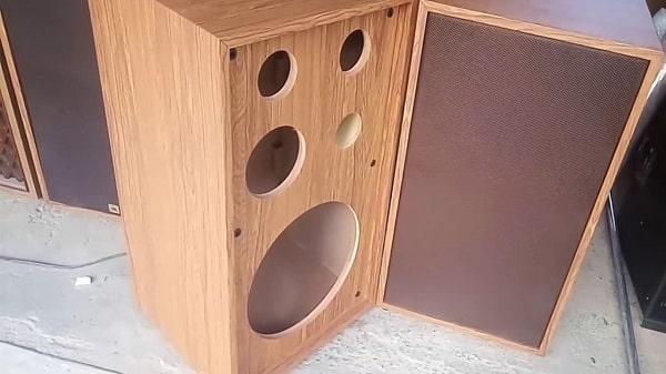 Tùy nhu cầu sử dụng mà bạn có thể lựa chọn những loại gỗ khác nhau để đóng vỏ thùng