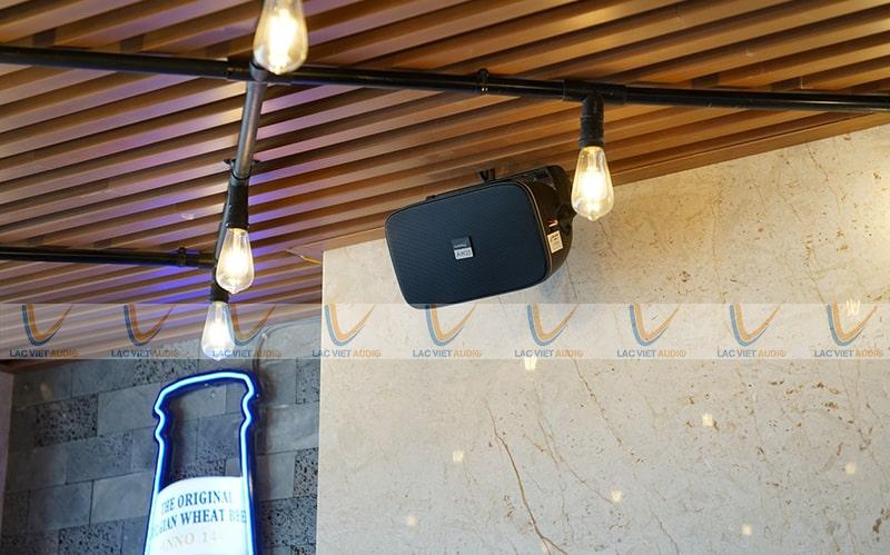 Hệ thống loa quán cafe là những thiết bị quan trọng nhất trong dàn âm thanh