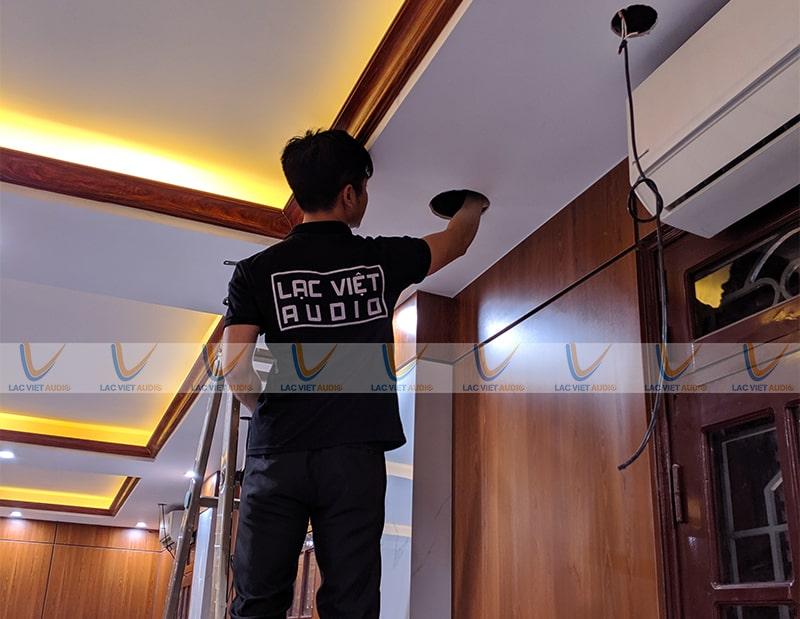 Hình ảnh thực tế lắp đặt hệ thống lo âm trần của Lạc Việt AudioHình ảnh thực tế lắp đặt hệ thống lo âm trần của Lạc Việt Audio