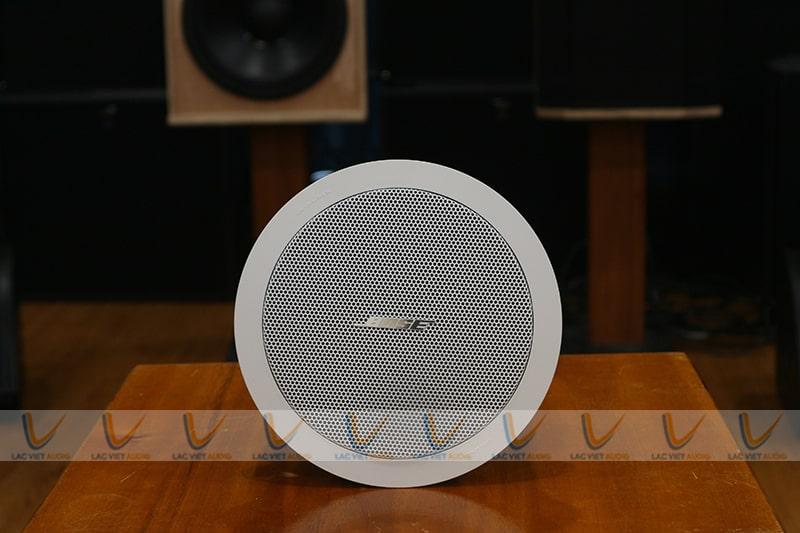 Màu sắc Bose FreeSpace FS2C mang tính thẩm mỹ cao