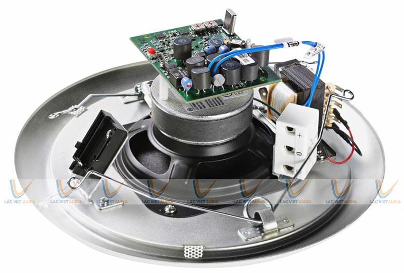 Mặt sau có thiết kế hiện đại của LC1-UM12E8 Bosch