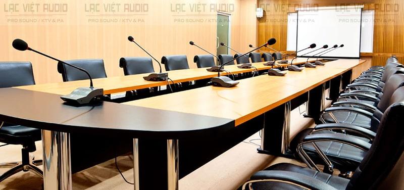 Ứng dụng micro để bàn cho hội nghị, hội thảo,...