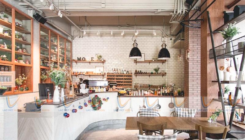 The Coffee Houses với diện tích 250 m2 không gian kín