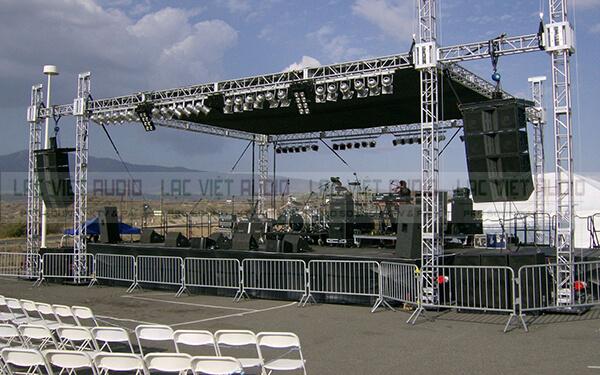 Đèn Beam 230 dùng trong hệ thống âm thanh sân khấu