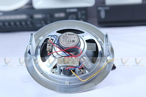 Thiết kế mắt sau của Bosch LHM0606/10
