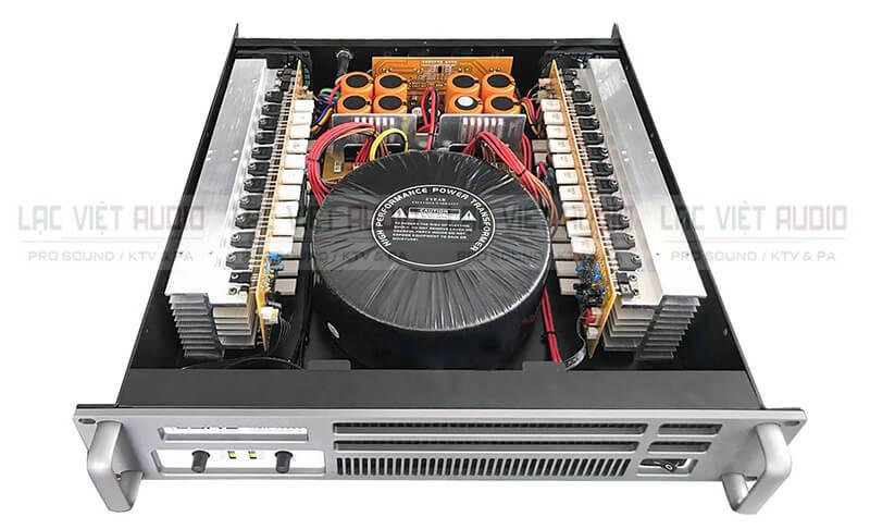 Cục đẩy công suất LYNZ RSX-10000 bên trong