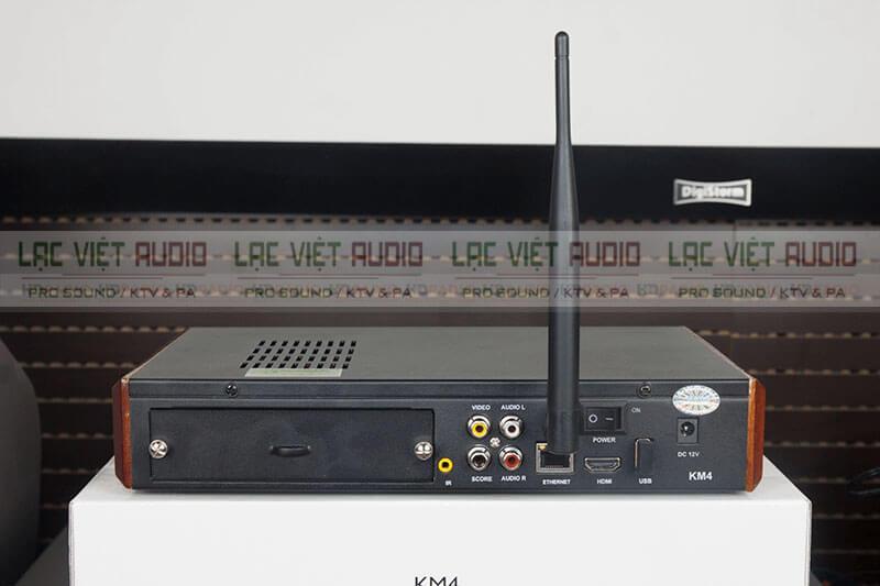 Mặt sau đầu karaoke Acnos KM4
