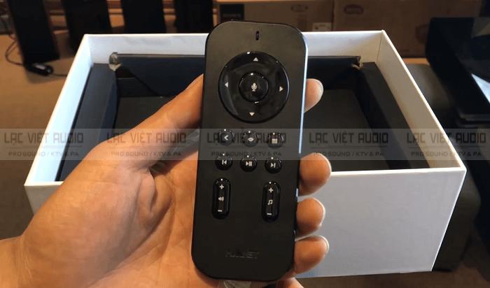 chiếc remote của đầu Hanet