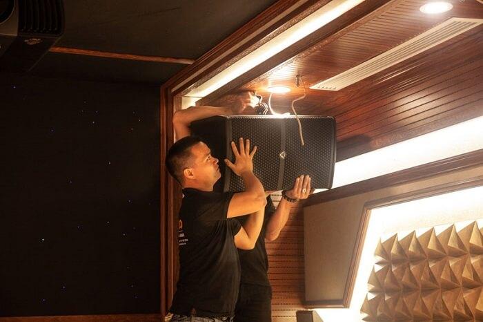 cách lắp giá treo loa karaoke của dòng loa lắp trần
