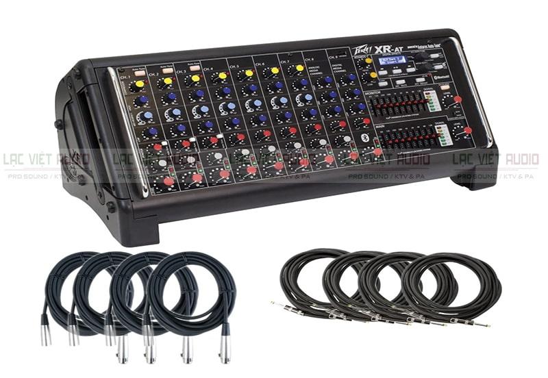 Peavey XR 800F thích hợp cho những dàn âm thanh đơn giản như gia đình, phòng trà, ...