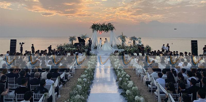 Những đám cưới cực kỳ hoành tráng với só lượng khách lên tới hàng nghìn người