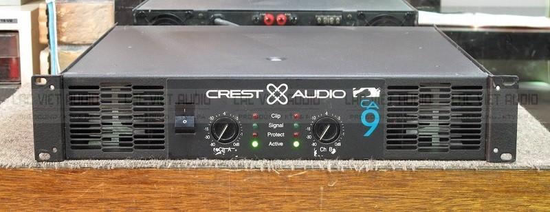 Mặt đằng trước cục đẩy Crest Audio CA 9