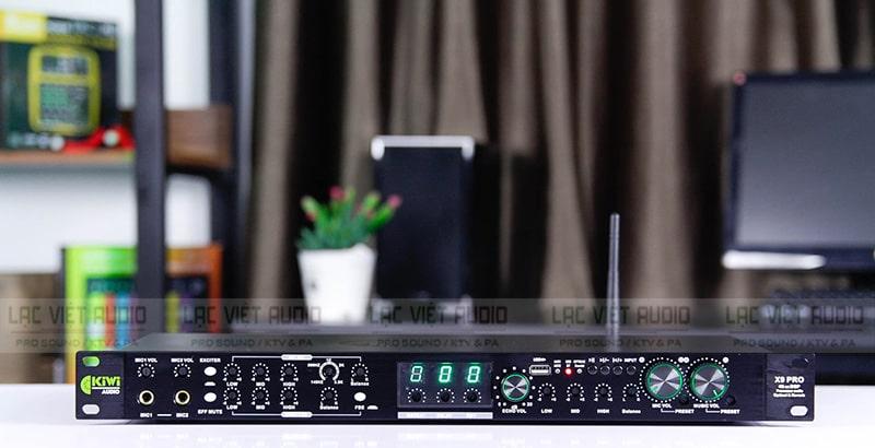Vang số lai cơ là một thiết bị xử lý âm thanh